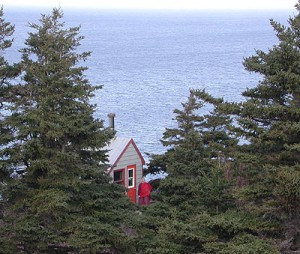 Cliff hanger cabin