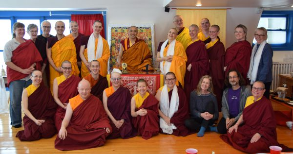 Khenpo Gawang with 2017 Yarne retreatants